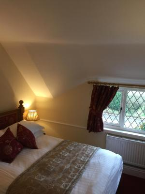 Greyhound Country Inn - Laterooms