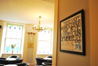 Rennie Mackintosh Station Hotel - Laterooms