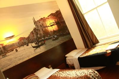 Exhibition Court Hotel 4 - Laterooms