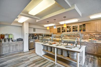 Homewood Suites by Hilton® Chicago-Downtown - Laterooms
