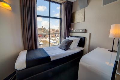 CC Hotel - Laterooms