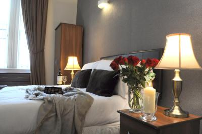 Queens Guest House - Laterooms