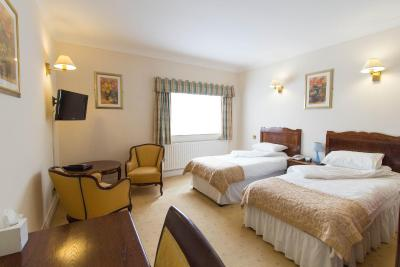 Hadlow Manor Hotel - Laterooms