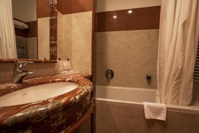 Grand Hotel La Chiusa di Chietri - Laterooms