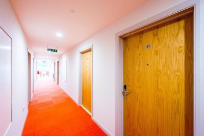The Lodge At Perth Racecourse - Laterooms