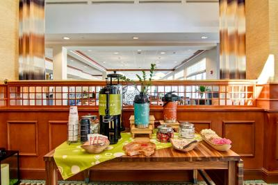 Hilton Garden Inn Ottawa Airport - Laterooms