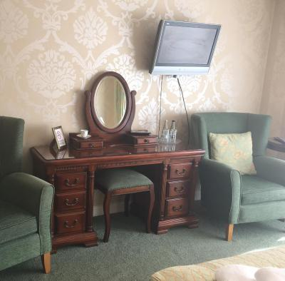 Dunsley Hall Country House Hotel - Laterooms