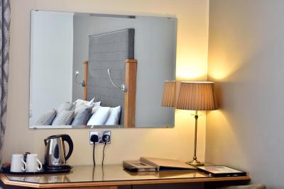 Queens Court Hotel - Laterooms