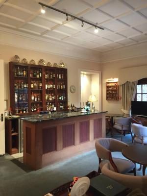 The Pines Hotel - Laterooms