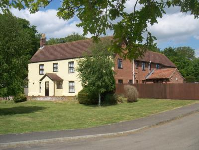 CHURCH FARM GUEST HOUSE - Laterooms