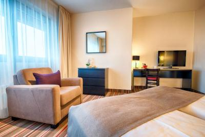 Leonardo Inn Hotel Hamburg Airport - Laterooms