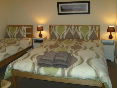 Flora Glen Guest House - Laterooms
