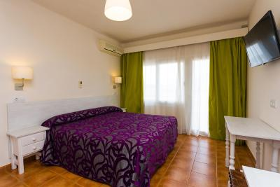 Hostal Sol Y Miel - Laterooms