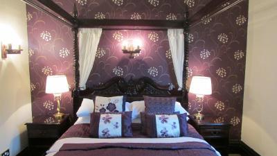 Tudor Grange Hotel - Laterooms