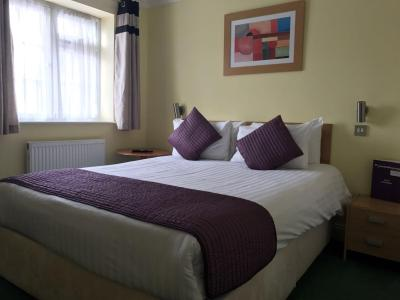 Harefield Manor Hotel - Laterooms