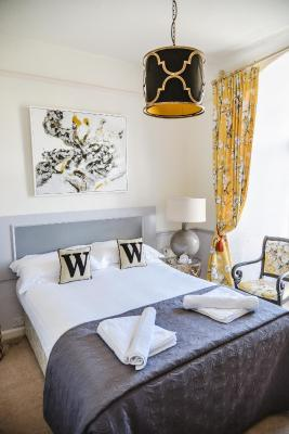 The Woodlands Hotel - Laterooms