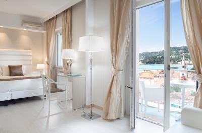 EUROPA GRAND HOTEL - Laterooms