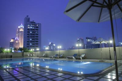 Omni Tower Sukhumvit Nana by Compass Hospitality - Laterooms