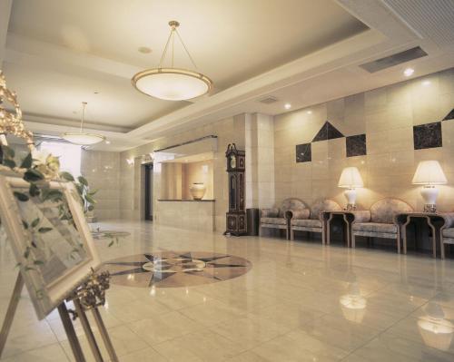 蒙塔涅松本酒店餐廳或用餐的地方