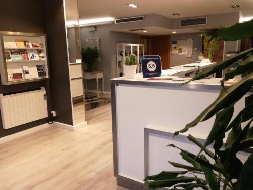 The lobby or reception area at Hotel Ribeira Sacra