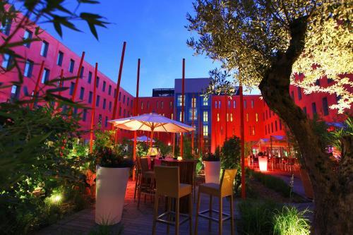 Restaurant ou autre lieu de restauration dans l'établissement Radisson Blu Hotel Toulouse Airport