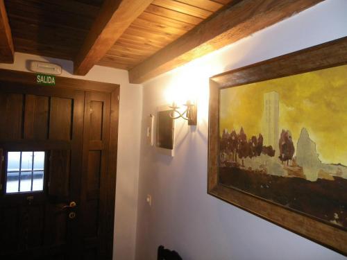 Una televisión o centro de entretenimiento en Caballero de Castilla