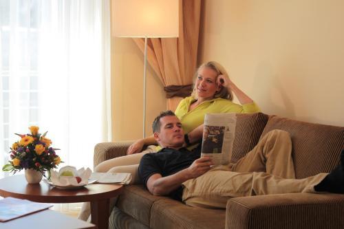 Eine Familie, die in der Unterkunft Ringhotel Bundschu übernachtet