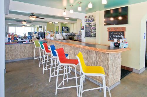 The lounge or bar area at Beachside Resort Panama City Beach