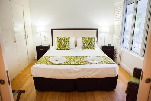 A bed or beds in a room at 6424 BEACH CLUB