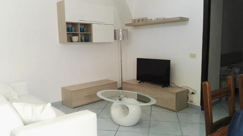 A television and/or entertainment centre at La Vecchia Locanda