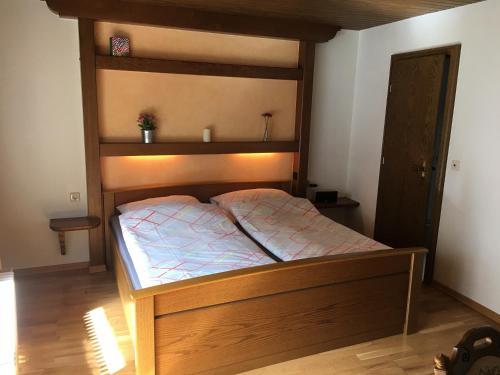 Ein Bett oder Betten in einem Zimmer der Unterkunft Pension Thilo