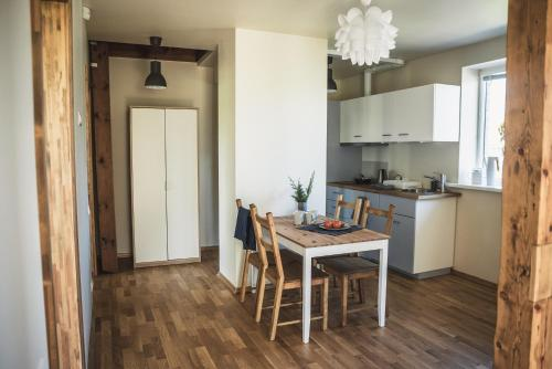 Virtuve vai virtuves aprīkojums naktsmītnē Krauklis beach apartments