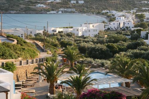 Widok na basen w obiekcie Alexandros Hotel lub jego pobliżu