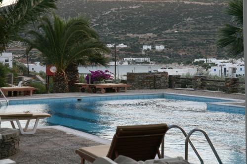 Basen w obiekcie Alexandros Hotel lub w pobliżu