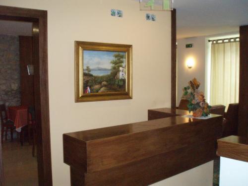 The lobby or reception area at Pensao Lourenco