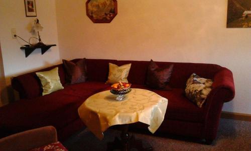 Ein Sitzbereich in der Unterkunft Ferienwohnung Thierse