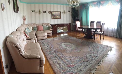 Гостиная зона в Апартаменты на Ленина 1