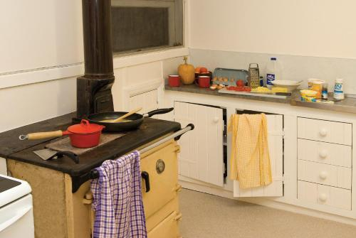 A kitchen or kitchenette at Inverary Homestead