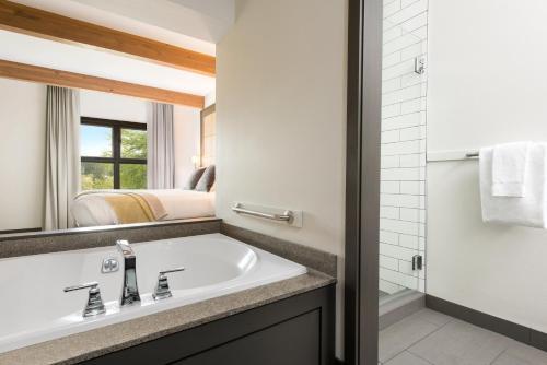 A bathroom at Friday Harbor House