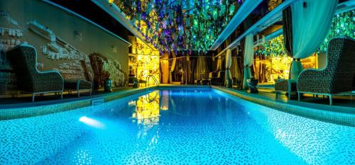 The swimming pool at or near Apartment in Harmony Suites - Monte Carlo