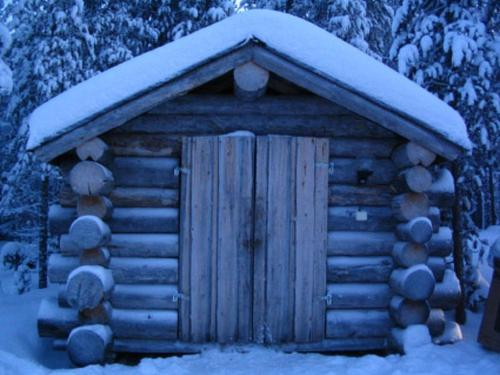 Holiday Home Keisarinna during the winter