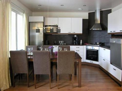 A kitchen or kitchenette at Holiday Home Toivola 2