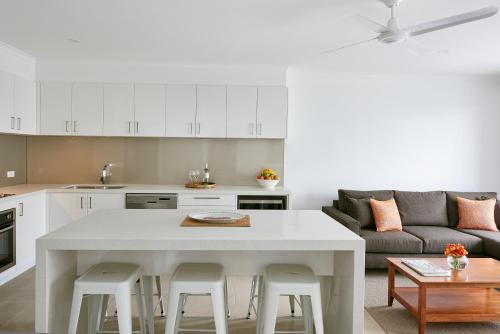 A kitchen or kitchenette at The Moorings at Metung