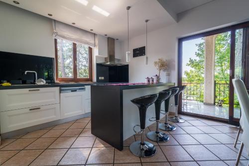 Kuhinja oz. manjša kuhinja v nastanitvi Villa Harmonija