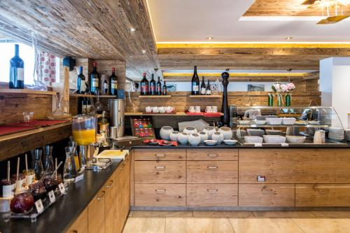 A restaurant or other place to eat at Passo Sella Dolomiti Mountain Resort