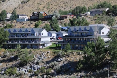 A bird's-eye view of Absaroka Lodge