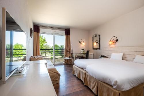 L'Ermitage Hotel & Restaurant Saulges, France