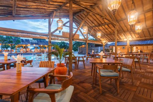 A restaurant or other place to eat at AVIA Villa Resort