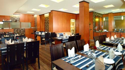 مطعم أو مكان آخر لتناول الطعام في فندق آيسواريا