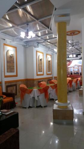 Ресторан / где поесть в Hostal Corona Blanca